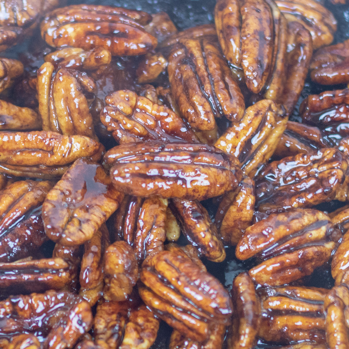 Glazed pecans with rum and cane syrup