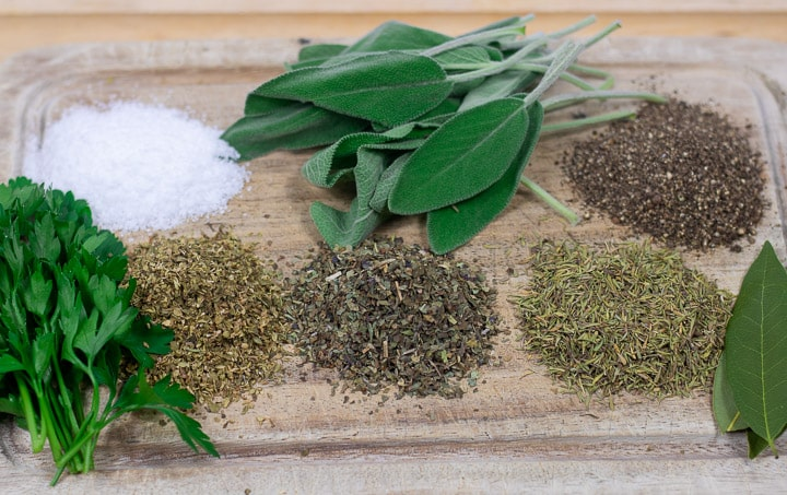 herbs and spices for oyster dressing