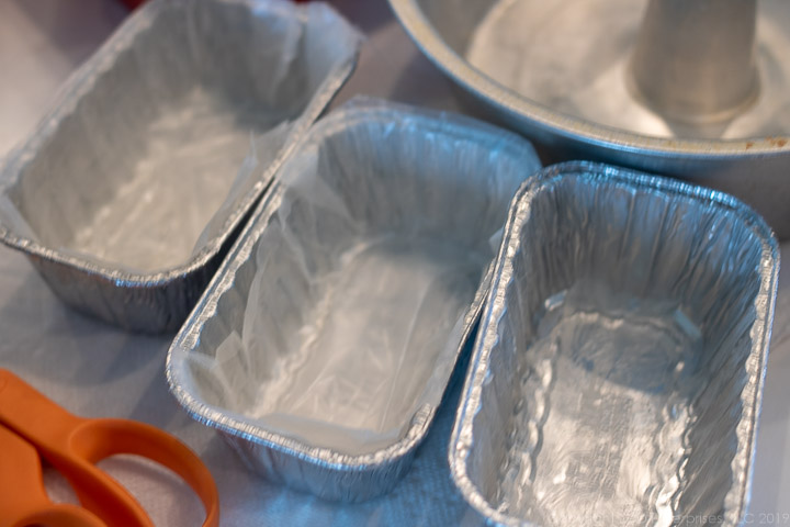 aluminum loaf pans with wax paper for fruitcake