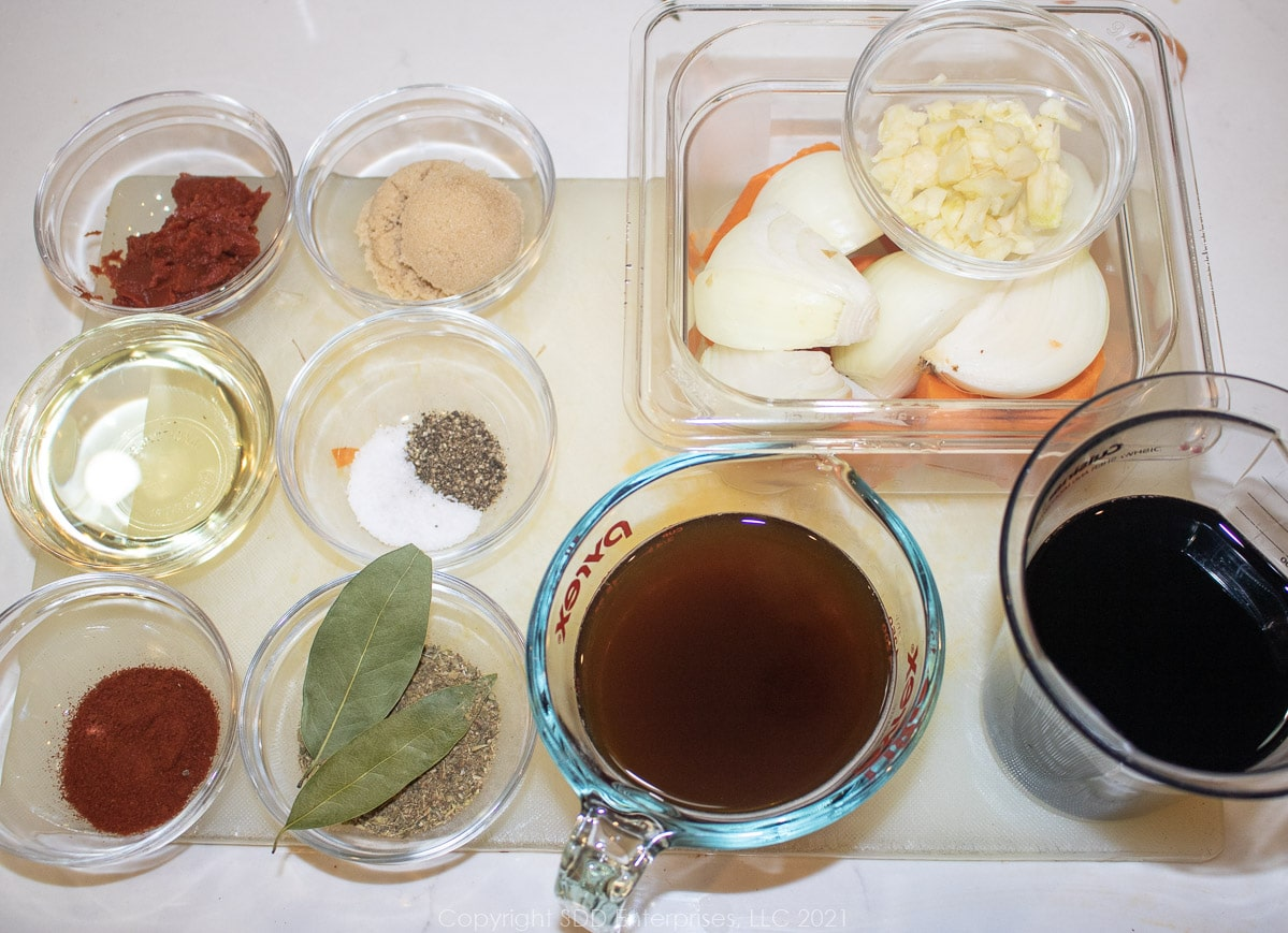 prepped ingredients to add to short ribs
